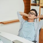 7 Apps to Help You Stay in Shape When Your Work Desk Job